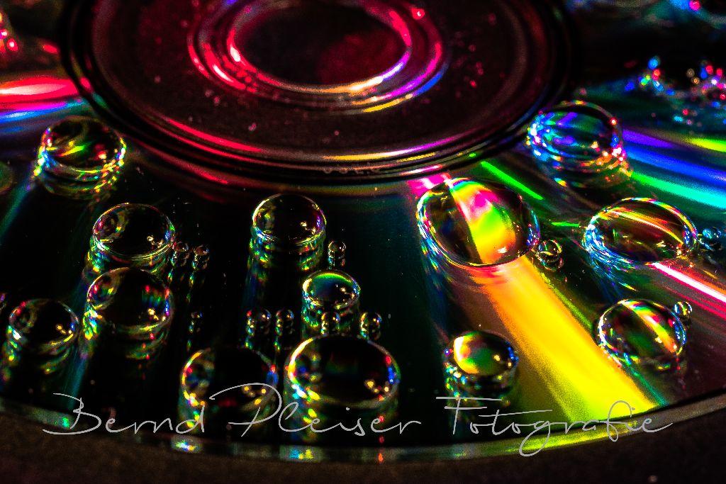 Wassertropfen auf einer CD